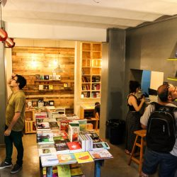 En nuestro espacio podés encontrar la mesa de novedades y las diferentes bibliotecas especializadas por géneros.